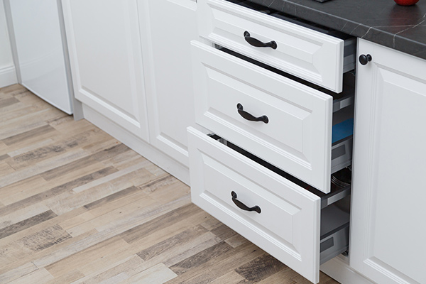 Kitchen-Cabinet-Makeover
